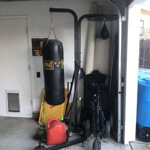 Speed Bag Heavy Bag for Sale in Vacaville, CA