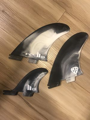 Fcs 2 surfboard fins/ twin + trailer for Sale in Seattle, WA