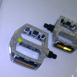 "1/2"" Alloy BMX Platform Pedals for Sale in Gonzales, LA"