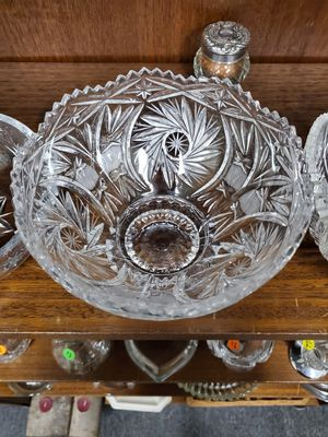 """Brilliant Cut Crystal Pinwheel Saw Tooth Rimmed Footed Bowl 6.5"""" diameter for Sale in Erie, PA"""