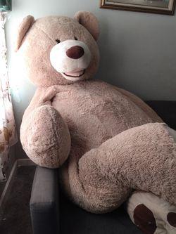 Gratis, Huge Teddy🐻 Bear for Sale in Carson,  CA