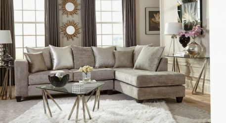 Sectional New Hollywood Silver for Sale in Atlanta,  GA