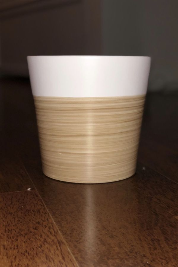 Ceramic Pot (plant/trash)