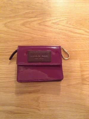 Kate Spade purple patent leather wallet for Sale in Strongsville, OH