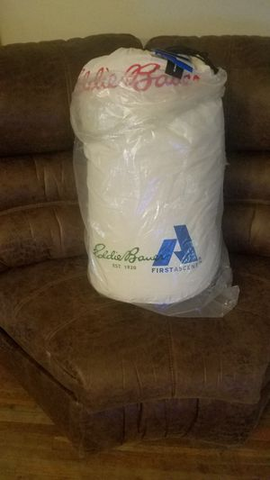 Eddie Bauer sleeping bag for Sale in Pasadena, TX
