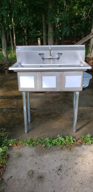 Three compartment utility sink for Sale in Millstone, NJ