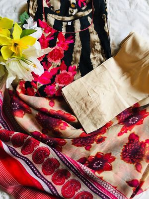 Brand new traditional colorful clothes/dress. Includes dress pants/shalwar. Pick up only. for Sale in Silver Spring, MD