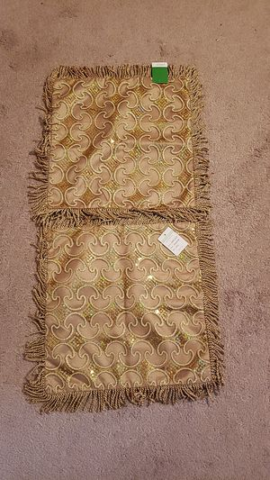 New gold squre pillow cases for Sale in Waterford Township, MI