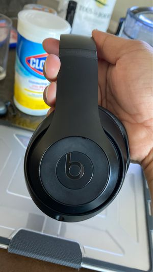 Beat by Dr. Dre - Beat Studio 3 wireless. Release date: 10/12/2017 for Sale in Seattle, WA