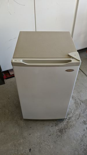 Mini Fridge 4.2 cu. ft. for Sale in San Marcos, CA