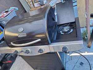 Bbq grill for sale for Sale in Las Vegas, NV