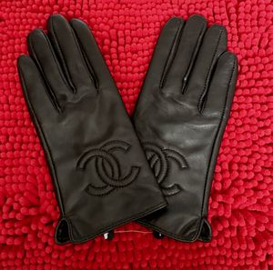 Black medium leather gloves for Sale in Los Angeles, CA