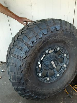 40 in open country toyo/mt tires w/17in gear rims for Sale in Portland, OR