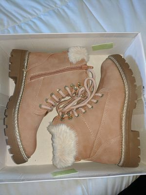 Brand New Women's Steve Madden Alaska Nude Winter Boots Size 6 for Sale in Cherry Hill, NJ