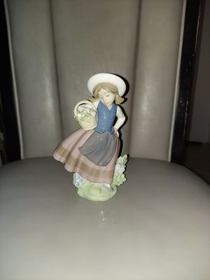 LLadro Spain Porcelain Figurine SWEET SCENT 1983 Girl Holding Basket of Flowers for Sale in Miami, FL