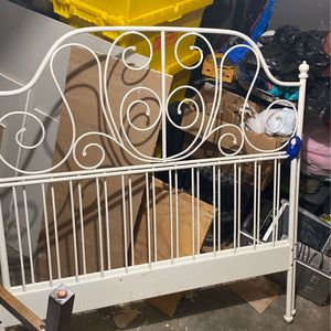 Bedframe for full for Sale in Garland, TX