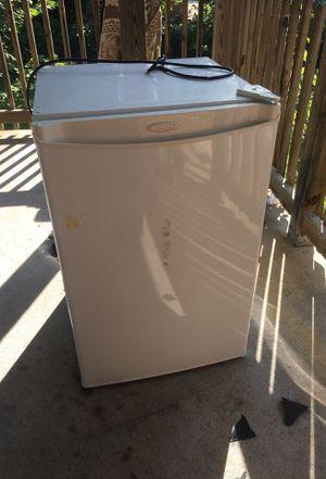 Mini fridge for Sale in Affton, MO