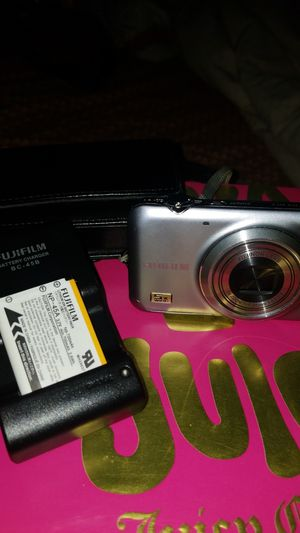 Fujifilm 14 mega pixels digital camera for Sale in Visalia, CA