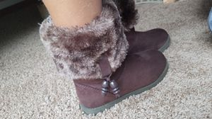 Girls winter boots size 1 for Sale in Osseo, MN