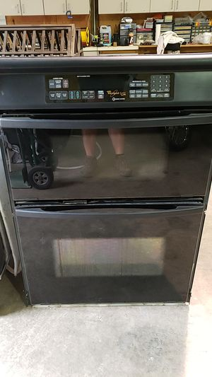 Whirlpool Gold Microwave - Oven Combo for Sale in Woodinville, WA