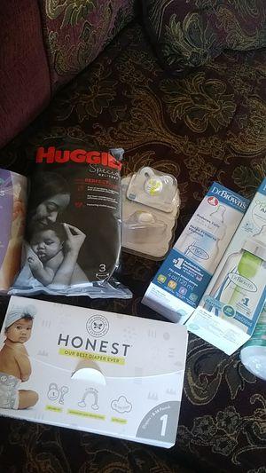 Newborn bundle for Sale in Visalia, CA