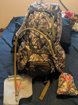 Badlands 2200 hunting backpack for Sale in Seattle, WA