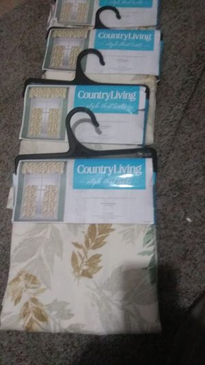4/ Brand new 3 piece kitchen curtain sets. for Sale in Brentwood, NC