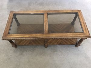 Coffee table with glass top for Sale in Maple Valley, WA