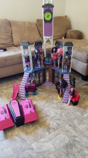 Monster high dolls and accessories for Sale in Burbank, WA