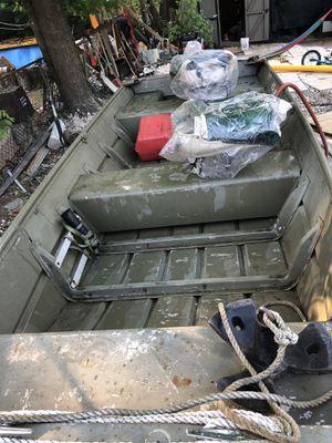 11ft Lowe aluminum boat for Sale in Woodbridge, VA