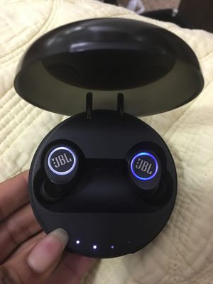 JBL Wireless Earbuds for Sale in Fort Washington, MD