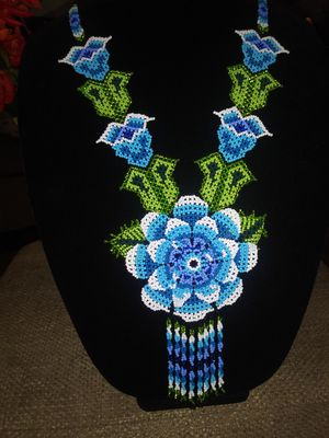 Hermoso Collar Huichol for Sale in Commerce, CA