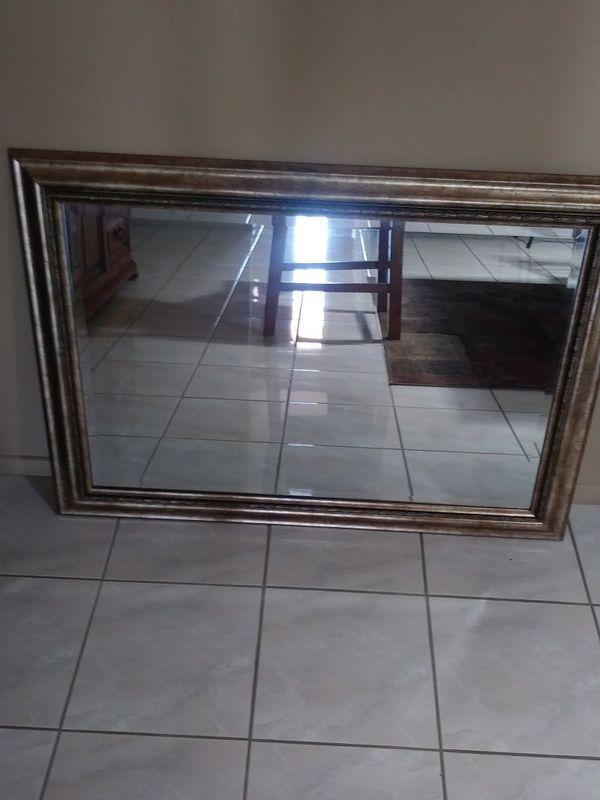 Mirror framed