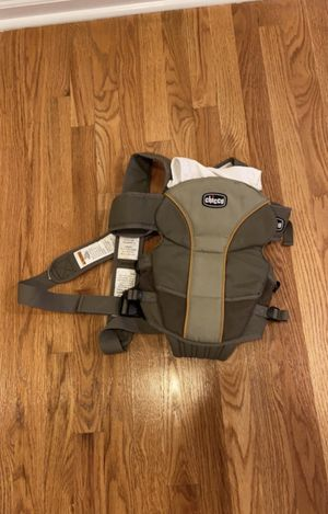 CHICCO baby carrier for Sale in Perkasie, PA