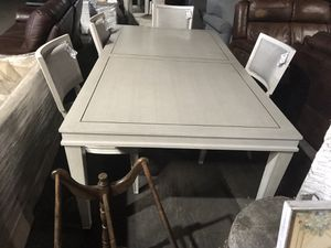 Very nice kitchen table. 4 chairs. for Sale in Midlothian, VA