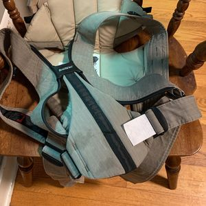Baby Carrier BabyBjorn for Sale in Agawam, MA