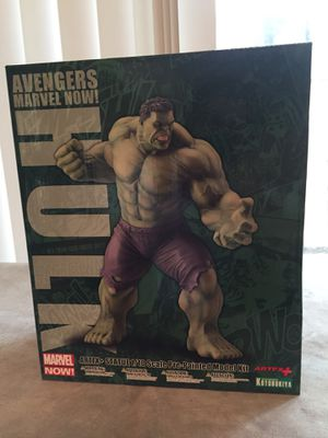 Collectible Incredible Hulk statue mint condition for Sale in Sugar Land, TX
