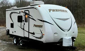 URGENT SALE !!! Model:Premier Ultra Lite 19FBPR Year:2013 for Sale in Tucson, AZ