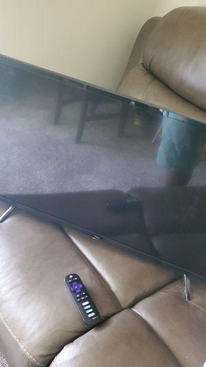 TV 32 inch for Sale in Atlanta, GA