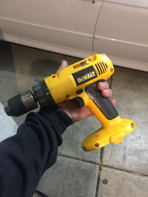 Dewalt drill needs battery for Sale in Corona, CA