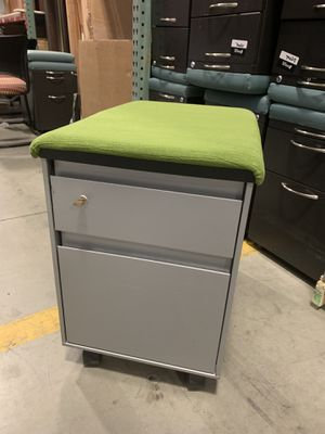 Steelcase rolling filing cabinet with a cushion and a key for Sale in Denver, CO