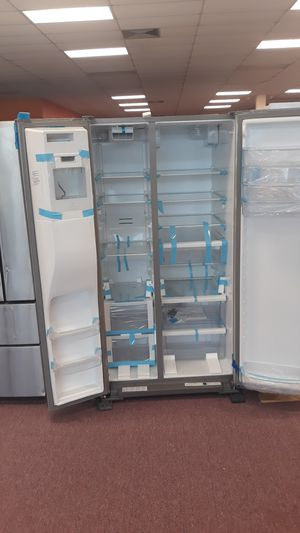 REFRIGERATOR french door stainless steel brand new for Sale in Lauderdale Lakes, FL