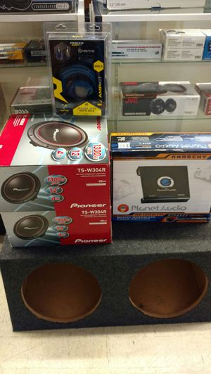 Pioneer planet audio car stereo complete set for Sale in Houston, TX