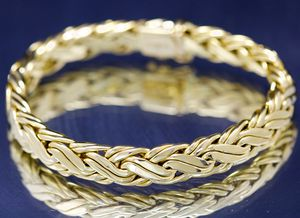 TIFFANY & CO RUSSIAN BASKET WEAVE 18k YELLOW GOLD RETIRED RARE BRACELET OBO for Sale in Lewisville, TX