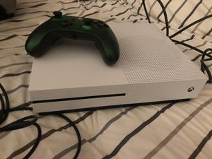 Xbox 1 s 1TB with wired controller for Sale in Clifton, VA