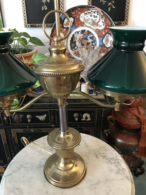 Beautiful lamp for Sale in Rancho Cucamonga, CA