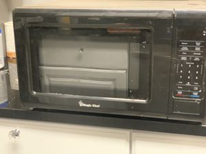 Magic Chef Microwave for Sale in District Heights, MD