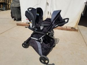 Stroller with carseat and 2 bases for Sale in Phoenix, AZ