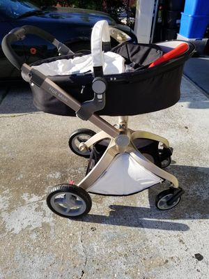 Hot mom stroller white for Sale in Orlando, FL