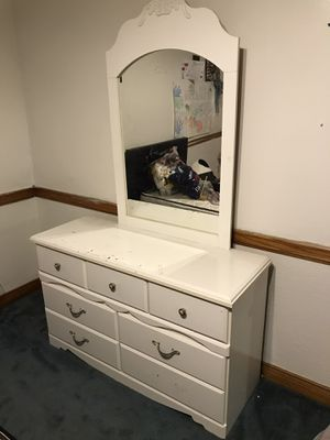 White Dresser with Mirror for Sale in West Covina, CA